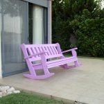 ספסל מתנדנד על משטח, בצבע ורוד/ לילך. מעץ מלא. במידות שונות ובמגוונים עשיר של צבעים.