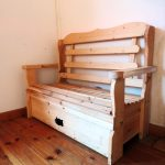 ספסל דקורטיבי לאחסון. מעץ מלא. במידות שונות ובמבחר עשיר של צבעים.