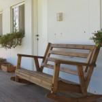 ספסל מתנדנד לנוחות שקטה