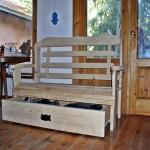 ספסל אחסון צבע טבעי. ספסל מעץ מלא, לאחסון וישיבה בנוחות שקטה. במידות שונות ובמבחר עשיר של צבעים.