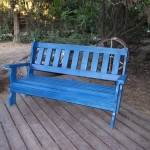 ספסל לגינה מעץ מלא. במידות שונות ובמבחר עשיר של צבעים.