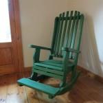 כיסא הנקה, דגם: בלו 91, מעץ מלא,עם מדרך לרגליים.
