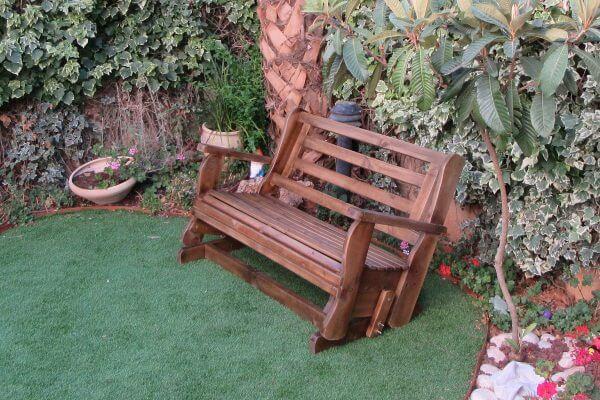 ספסל-נדנדה-לדשא-1
