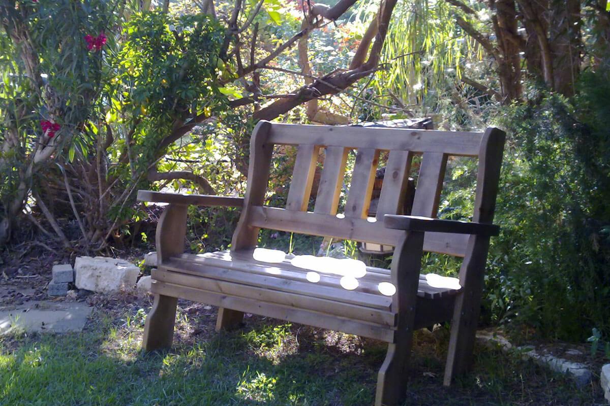 ספסל-עץ-מלא-סטטי-6