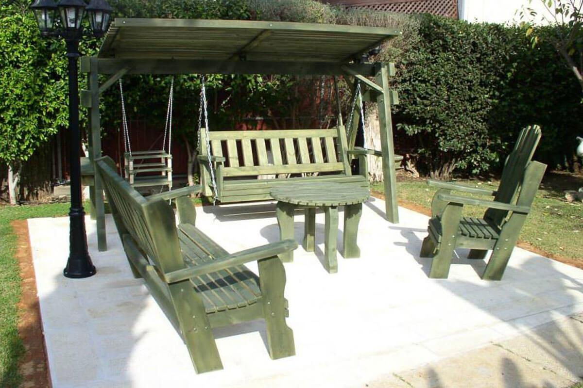 פינות-ישיבה-מעץ-ונדנדה