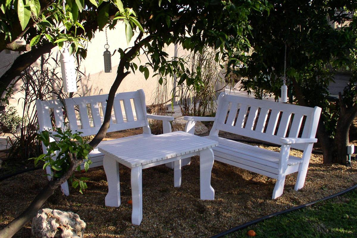פינות-ישיבה-מעץ