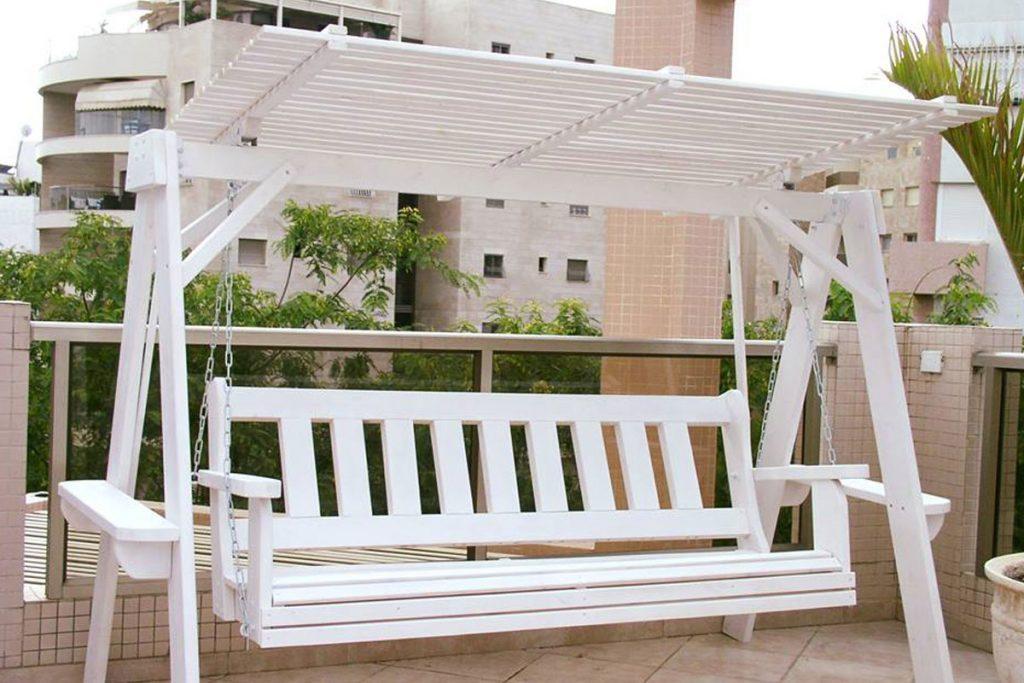 נדנדה למרפסת שמש במחיר מיוחד