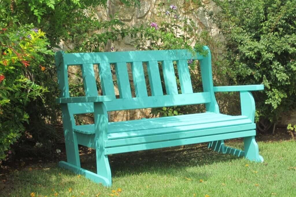 נדנדת ערסל או ספסל כדוגמה לגימור המוצר