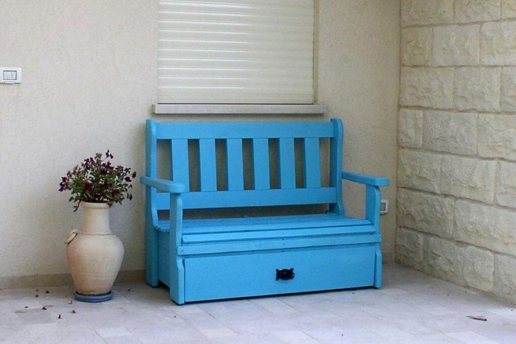 ספסל כניסה לבית