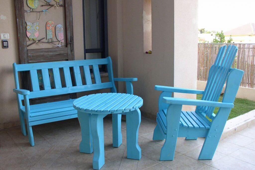פינות ישיבה מעץ מלא